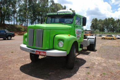Caminhão Scania L111