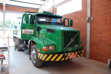 Caminhão Volvo 320